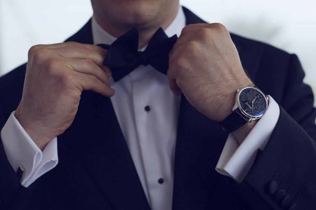 ساعتهایی با صفحه بزرگ جلوه بیشتری بر روی دست مردان دارد