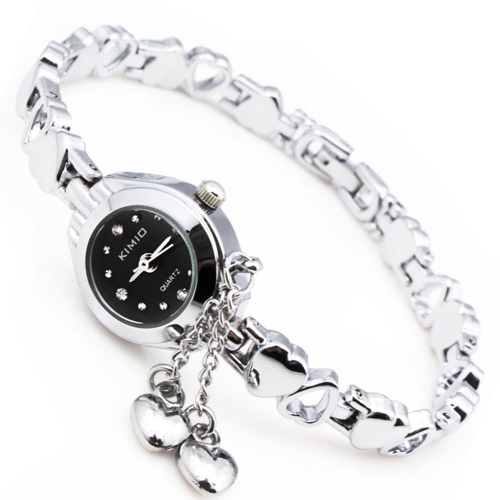ساعتهایی با بند باریک مناسب دستهای ظریف خانمها است