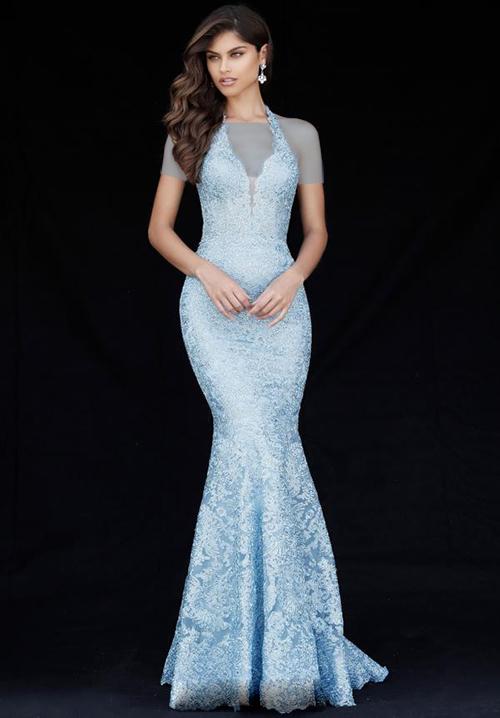 در هنگام خرید لباس نامزدی بهتر است که تنها بر اساس مدل و رنگی که دوست دارید عمل نکنید