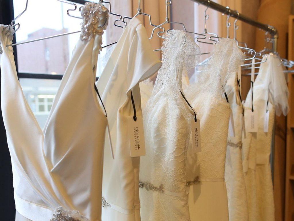 برای لباس عروس و داماد هم میتوانید به بوتیک هایی که به طور اختصاصی فقط در کار دوخت لباس عروس و داماد هستند مراجعه کنید