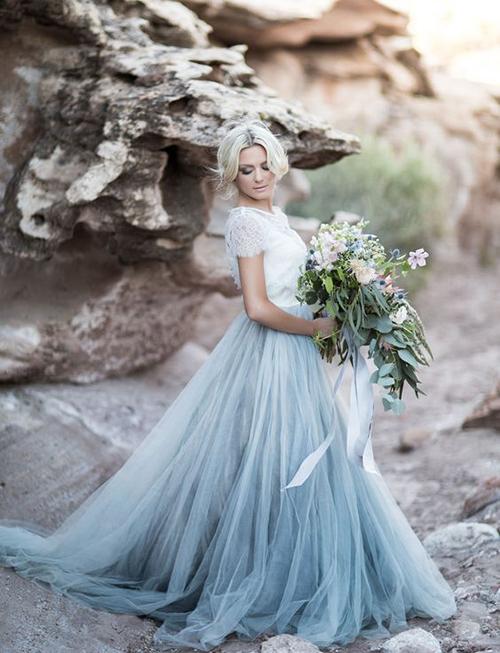 لباس عروس آبی : همیشه راستگو و وفادار خواهید بود
