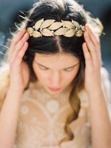 تاج عروس از شاخه زیتون