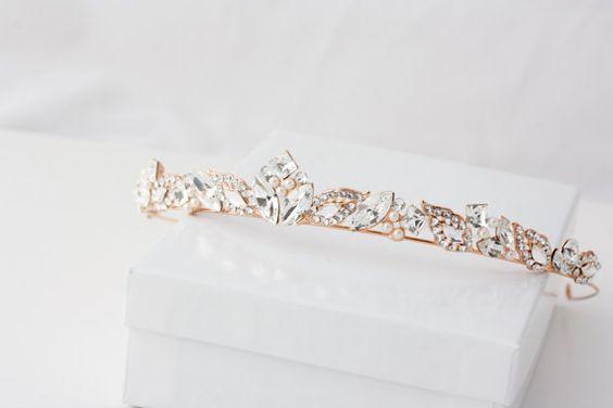 مدل تاج عروس سفید طلایی