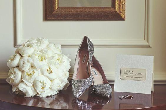 کارت دعوت عروسی امروزی بسیار متنوع شده است