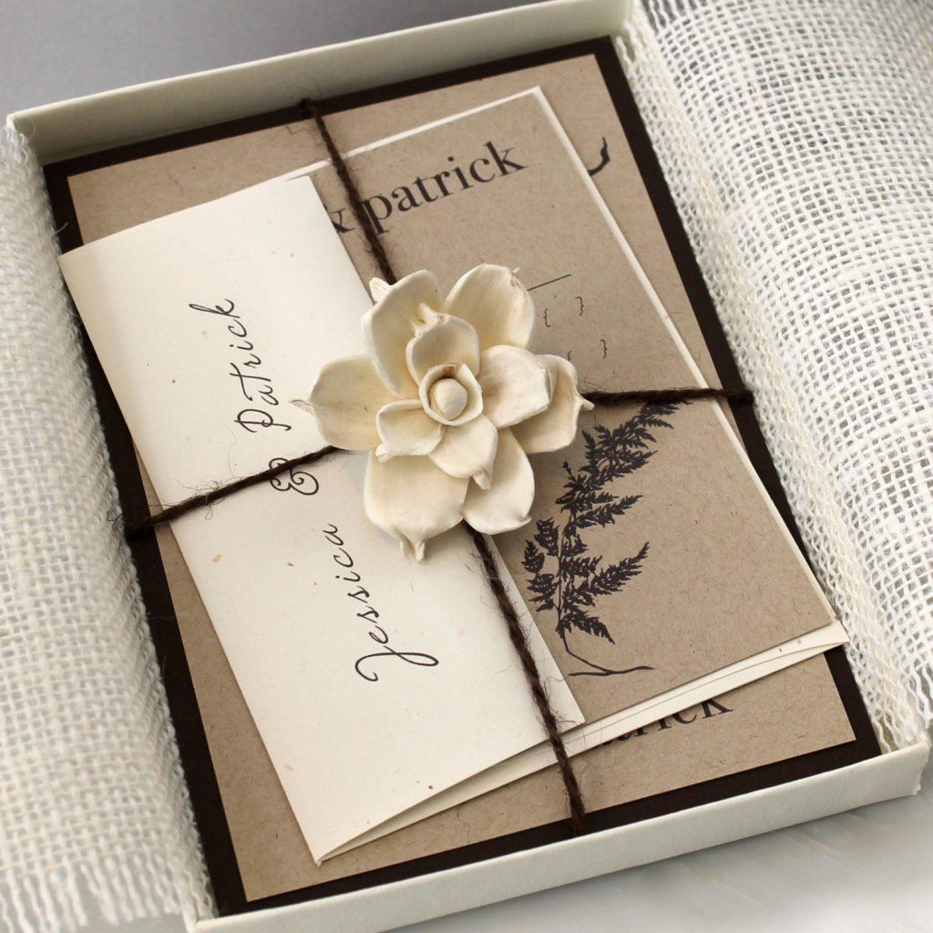 به طور مرسوم تنها برای مراسم عروسی کارت دعوت خریداری میشود