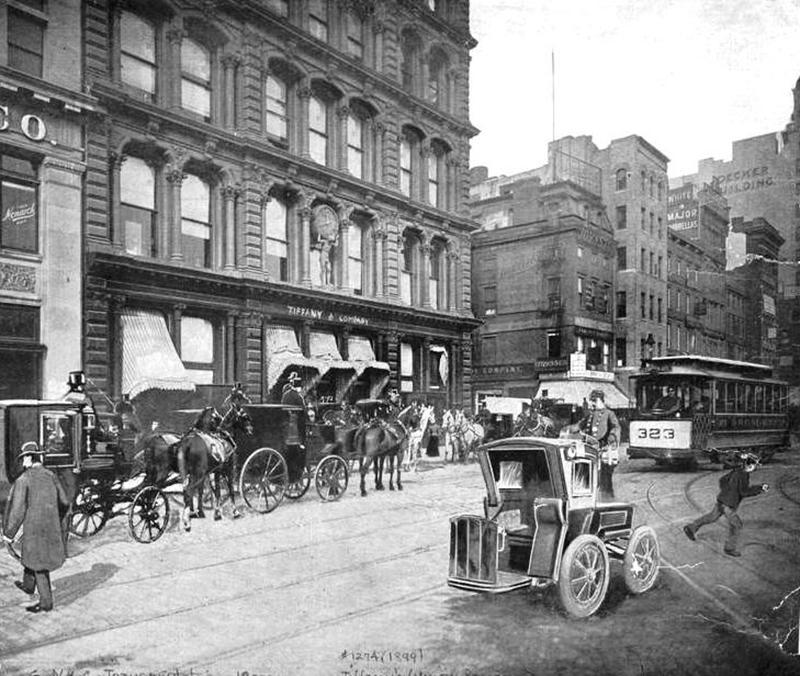 بیش از یک قرن و نیم بعد از سال 1837 ، کمپانی بیلیون دلاری تیفانی، 290 فروشگاه در سراسر جهان داشت