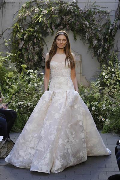 لباس عروس طرح دار پفی