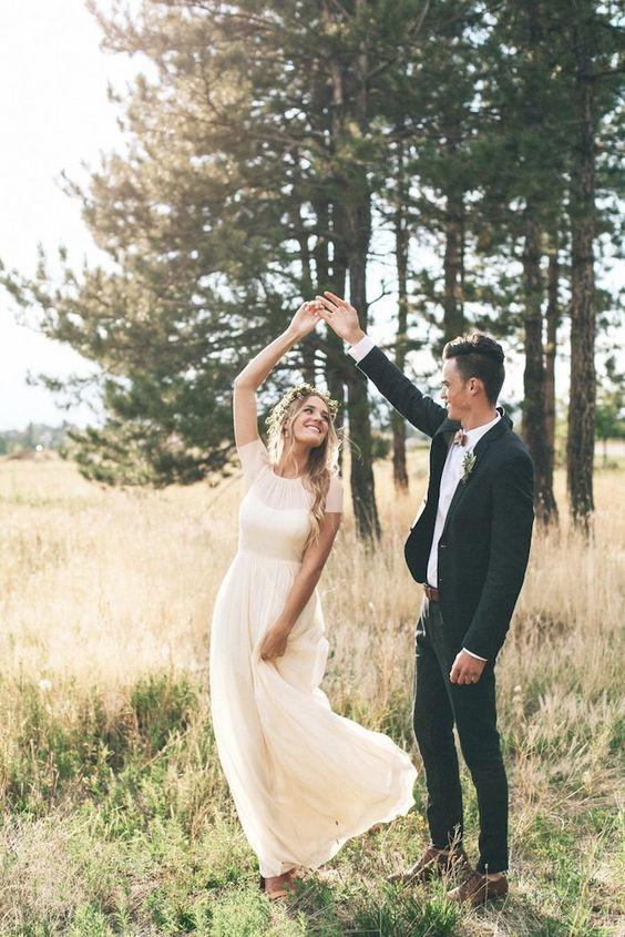 نمونه ای از ژست عکاسی عروس و داماد