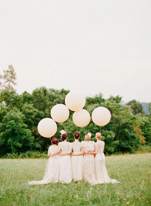 استفاده از بادکنک در دسته گل عروس