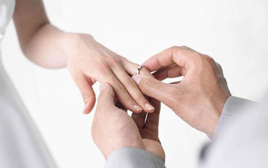 حلقه نامزدی و حلقه ازدواج