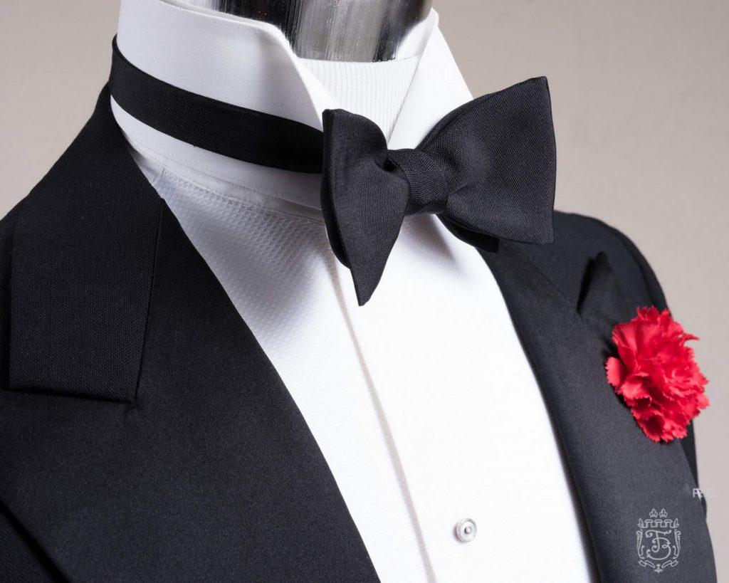 ابتدایی ترین اصل یک داماد شیک پوش انتخاب درست بین پاپیون و کراوات است