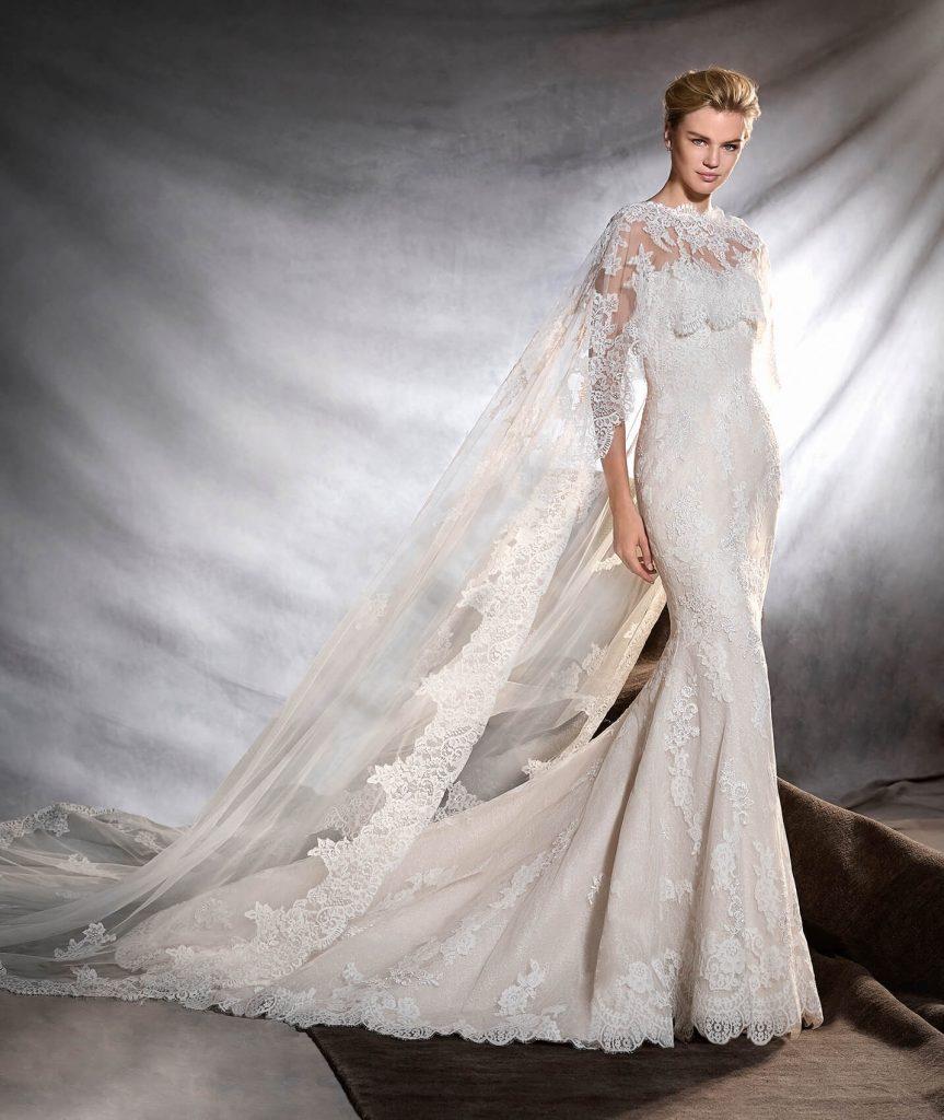 لباس عروس با شنل