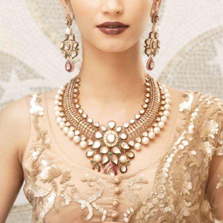 پیشنهاداتی برای خرید سرویس طلای عروس