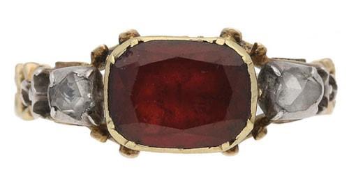 حلقه نامزدی سنتی با سنگی از الماس و یاقوت