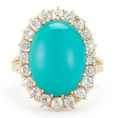حلقه نامزدی سنتی تشکیل شده از فیروزه و الماس