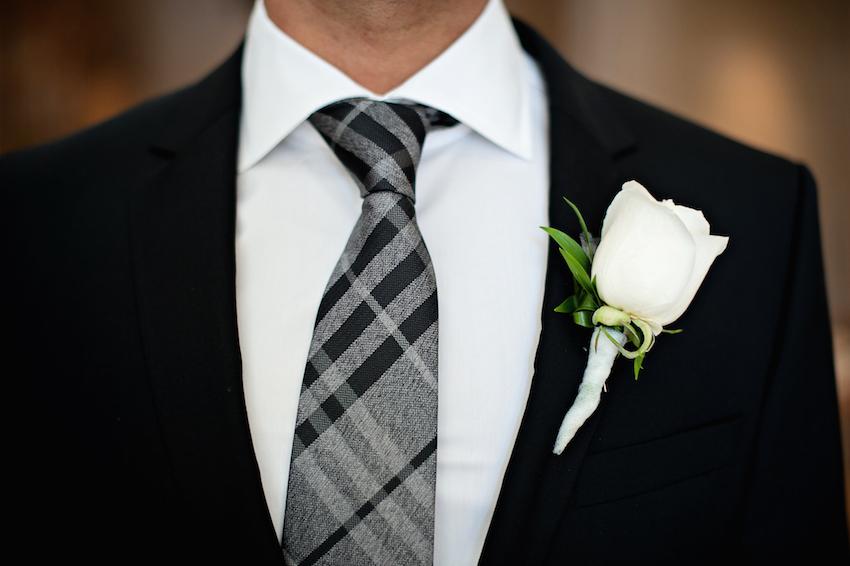 کراوات داماد از اکسسوری های مهم داماد محسوب می شود