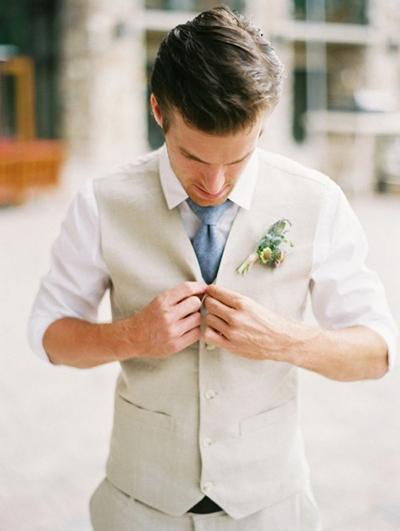استفاده از جلیقه برای داماد در جشن عروسی