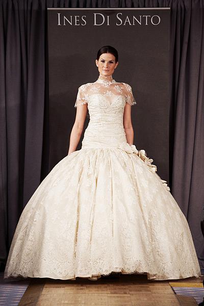 مدل پیشنهادی لباس عروس برای اندام مثلث برعکس