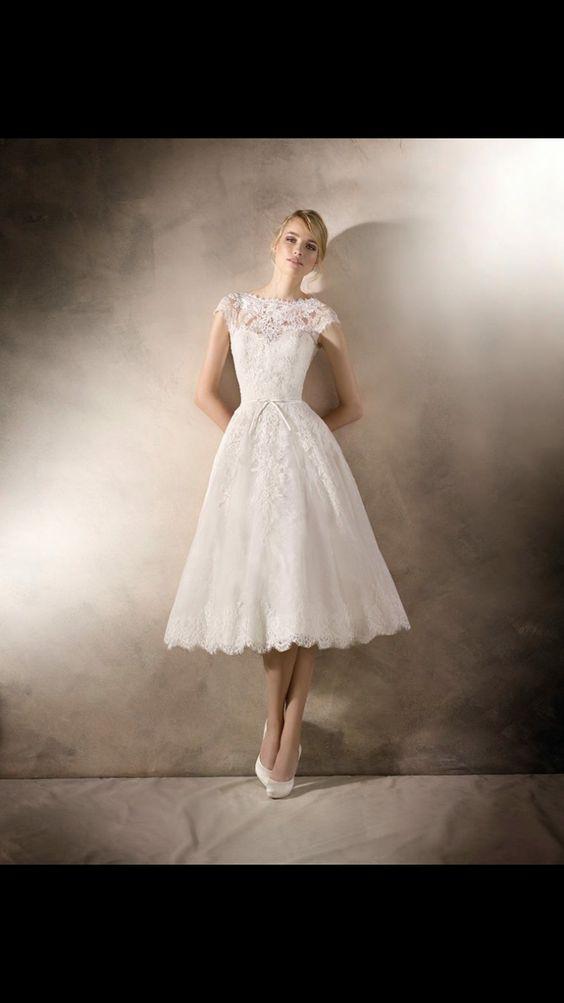 لباس عروس میدی از جنس دانتل