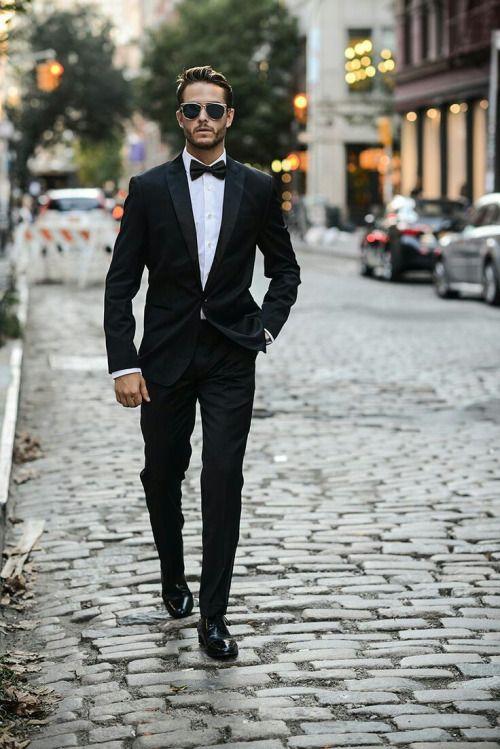 انتخاب کت شلوار مشکی یک انتخاب همیشه جذاب و رسمی