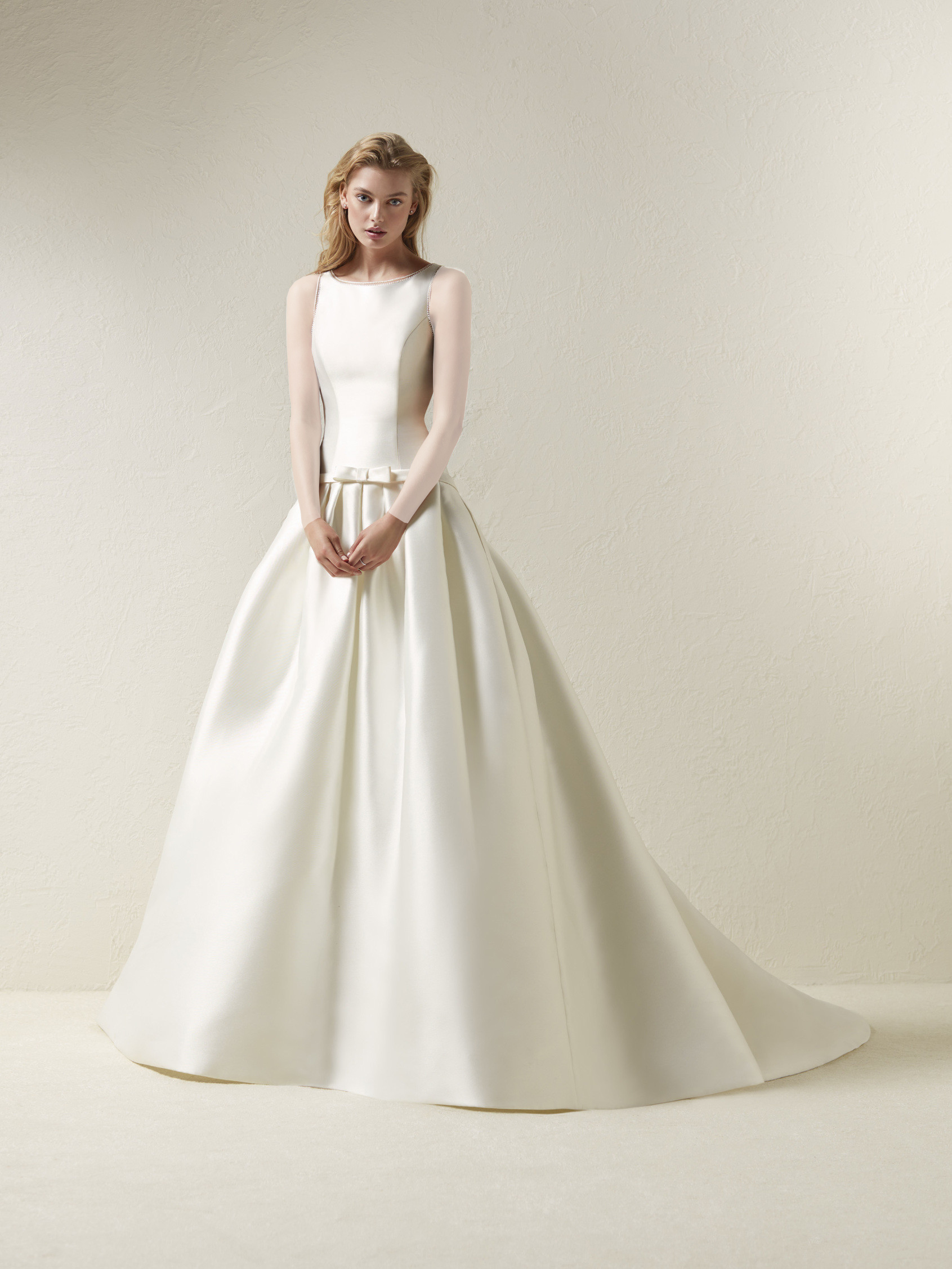 لباس عروس برند پرونوویاس Pronovias