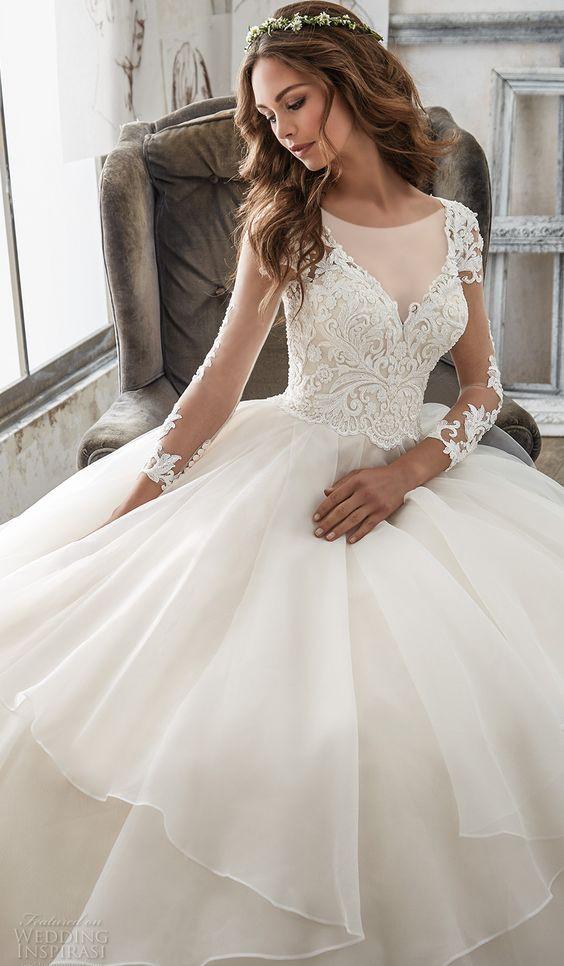 نکاتی که به هنگام خرید لباس عروس به کمکتان می آید