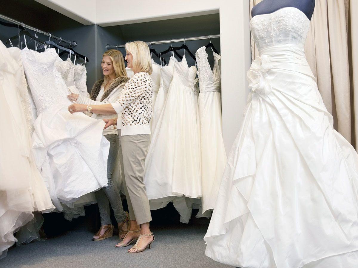 هیچ گاه به صورت اینترنتی و آنلاین لباس عروس نخرید
