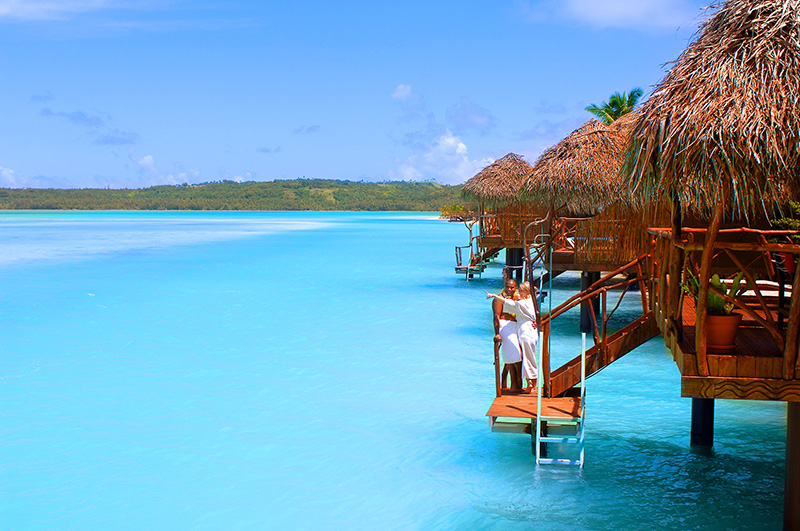 جزیره آیتوتاکی کوک با ساحلی سفید