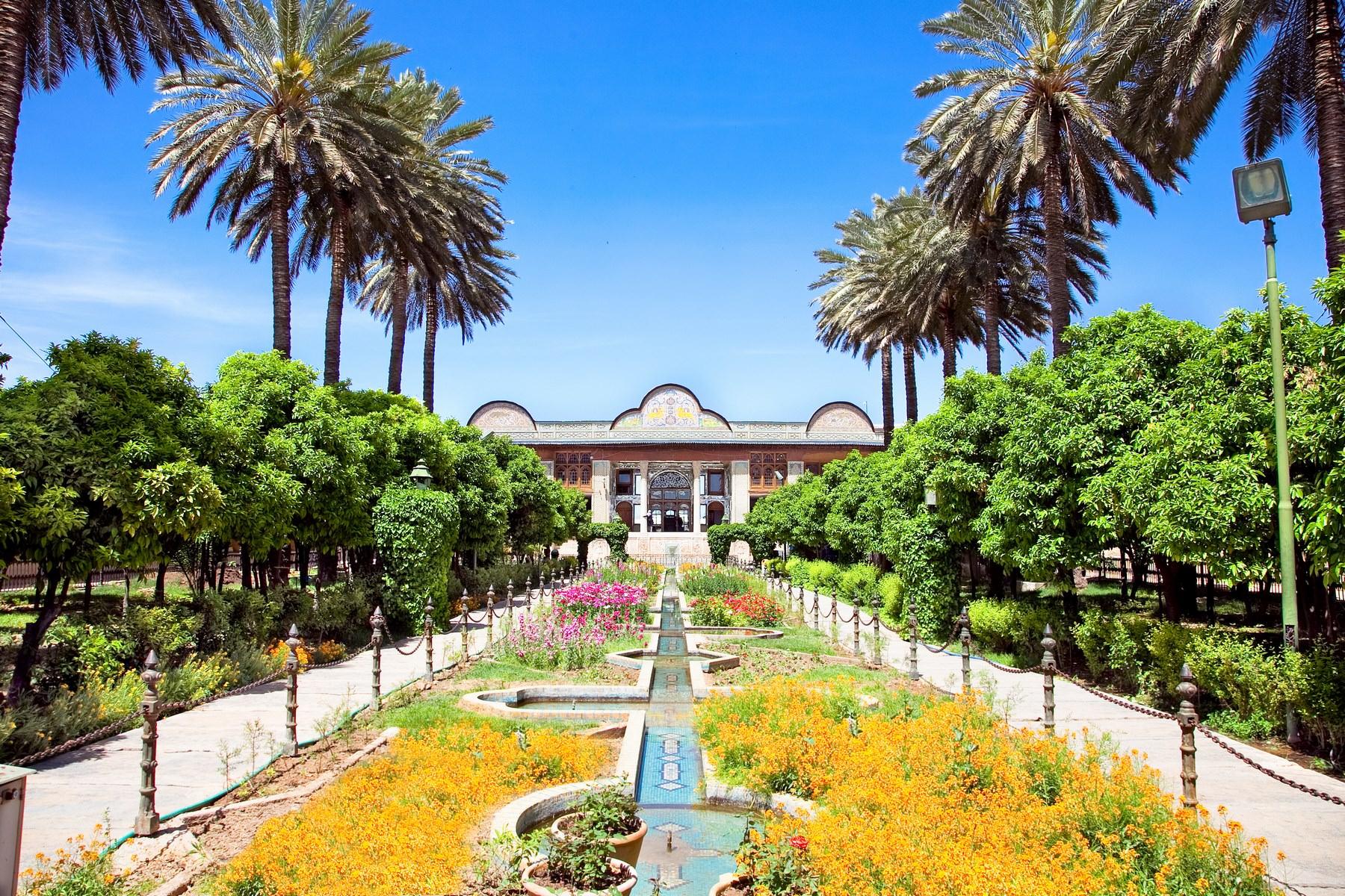 باغ و ساختمان نارنجستان قواممتعلق به دوران قاجاریه است