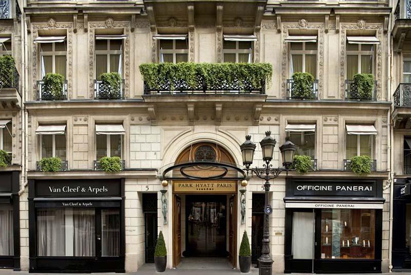 اگر دنیال یک سفر ماه عسل لاکچری هستید فرانسه و هتل پارک بهترین انتخاب است.