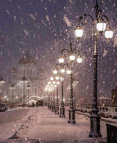 اگر گرمایی یا دارای طبع سرد هستید یا اینکه تحمل محل های خیلی گرم یا خیلی سرد برایتان سخت است قبل از سفر فصل و آب و هوای شهر مقصدتان را بررسی کنید