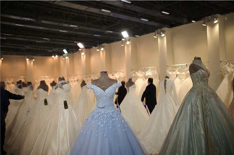 در سال 2016، تنها 189 شرکت تولیدکنندۀ پوشاک عروس در این نمایشگاه شرکت داشتند.