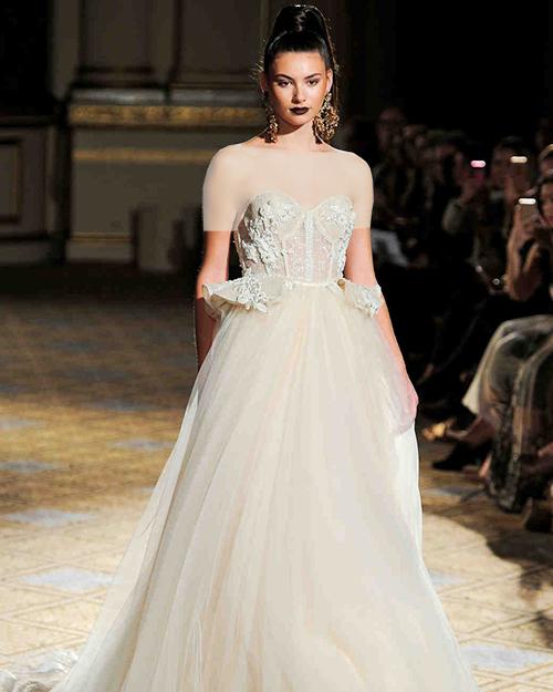 لباس عروس کرستی که دوباره به مد راه یافته است