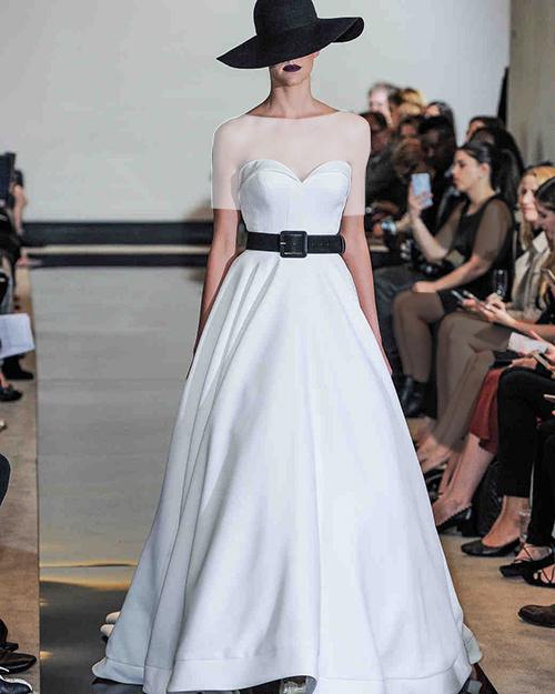 لباس عروس به همراه کمربند مشکی