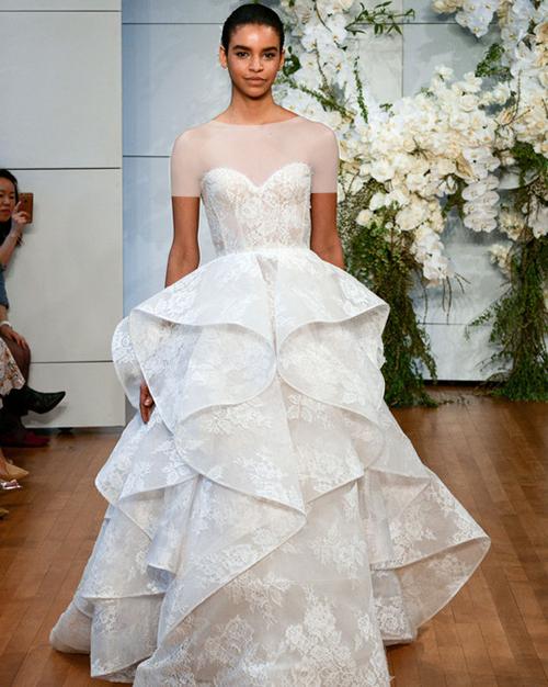 لباس عروس دکلته چین دار