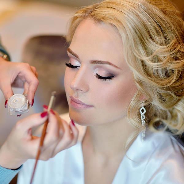 آرایش ملایم مناسبترین آرایش برای عروس جذاب