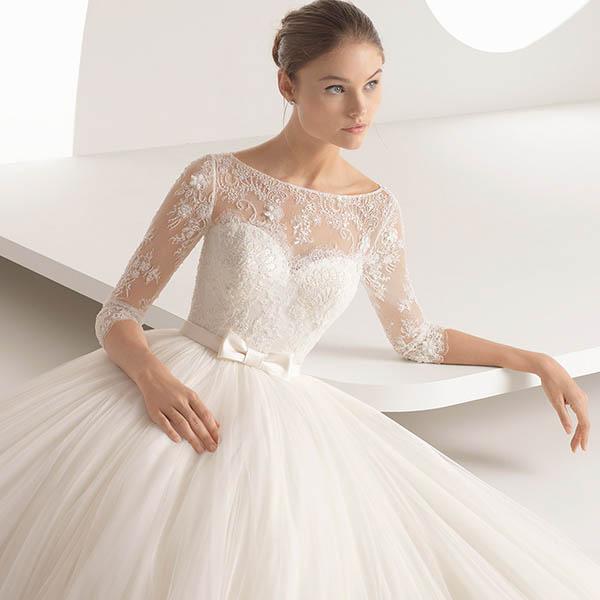 اهمیت انتخاب لباس عروس مناسب برای عروس جذاب