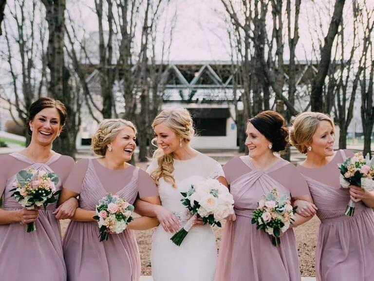 لباس ساقدوش عروس و داماد ؛ همه چیز از انتخاب رنگ و طرح تا مدل لباس